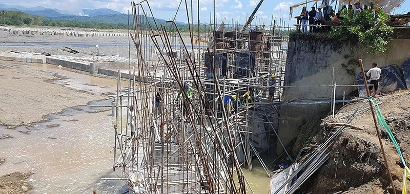 AKLAN. Workers at the site of the run-off dam, which is being constructed in Barangay Sigcay, Banga, Aklan. (Jun N. Aguirre)