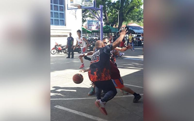 CAGAYAN DE ORO. A glimpse of the controversial Cagayan de Oro Press Freedom Week basketball tournament at the Capitol ground. (Contributed photo)