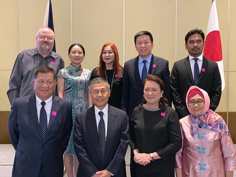 The members of consular group in Mindanao with Japanese Consul Genral Yoshiaki Miwa. (Jinggoy I. Salvador)