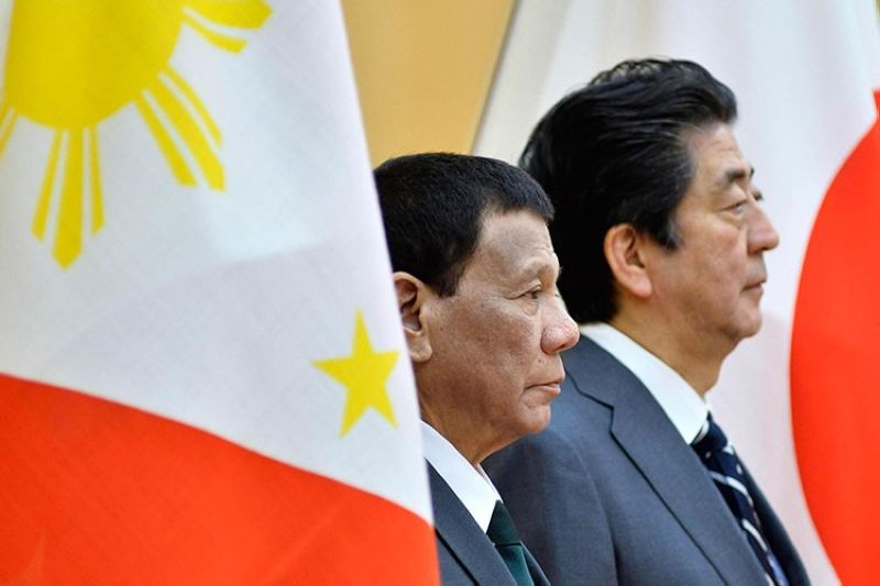 JAPAN. Philippines President Rodrigo Duterte (left) and Japan's Prime Minister Shinzo Abe review an honor guard prior to their meeting at Abe's official residence Friday, May 31, 2019, in Tokyo. (AP)