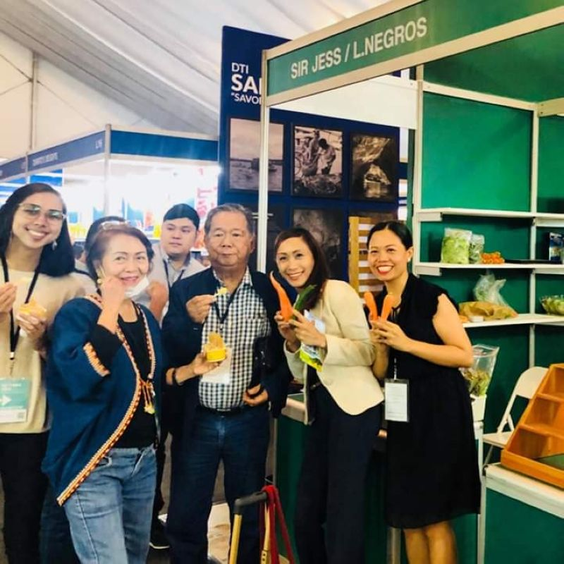 MANILA. Negros Occidental delegates led by Governor Alfredo Marañon Jr. (center) during the Ifex Philippines 2019 held at the World Trade Center in Pasay City recently. (Contributed photo)