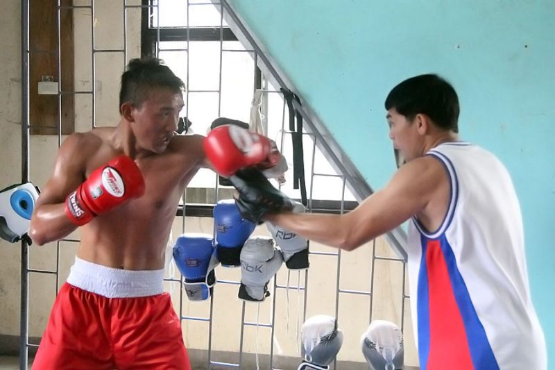 DAVAO. KJ Natuplag of Highland Boxing Gym gears against Joe Tejones of Valencia City for the Global Boxing Organization Asia Pacific junior  lightweight title on June 15 at The Enderun Tent at Azuela Cove in Davao City. (Roderick Osis)