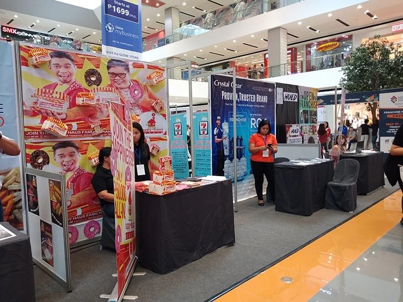 DAVAO. Franchise Negosyo Para sa Davao of the Philippine Franchise Association (PFA) once again opened at the SM Lanang Atrium to promote different franchise business opportunities last Friday, May 31, 2019. (Photo by Lyka Casamayor)