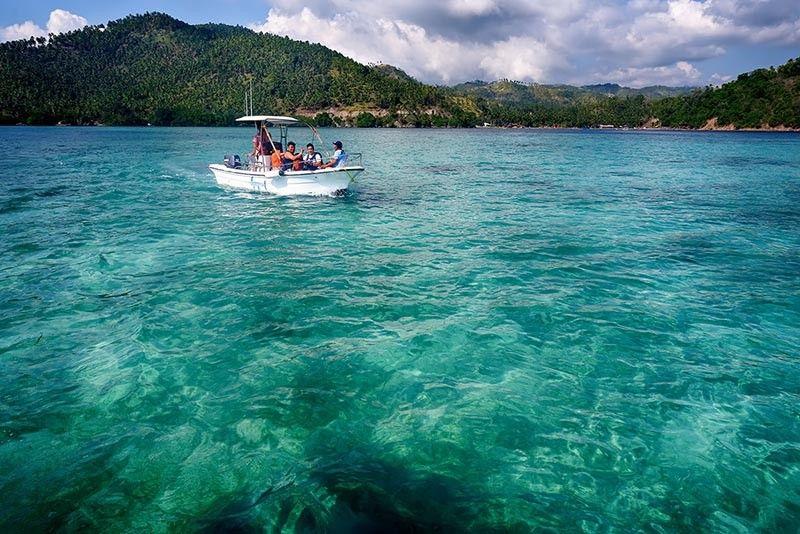 DAVAO. Clear waters of Tubalan Cove Malita. (Jojie Alcantara)