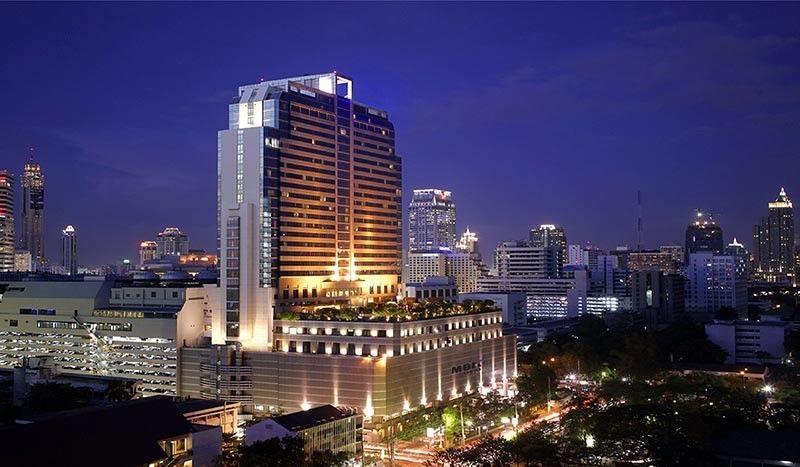 THAILAND. Pathumwan Princess Hotel glows at night. (Jinggoy I. Salvador)