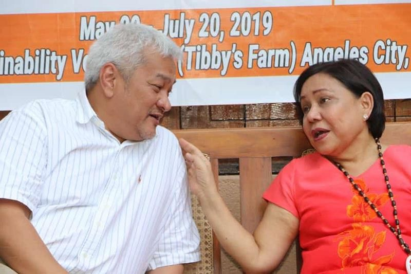 PAMPANGA. Re-elected Senator Cynthia Villar discusses with Angeles City Mayor-Elect Carmelo Lazatin Jr. the need to engage communities in agribusiness and livelihood training to sustain the economy. Taken during Thursday's (June 6, 2019) Mobile Training at Duran Farm, Angeles City. (Chris Navarro)