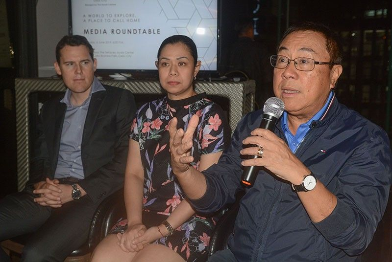 SOMETHING TO OFFER. Jose Soberano III (right) gives updates on the Citadines Cebu City project. With him are Cebu Landmasters Premier Hotels International director Mathias Bergundthal and Citadines Cebu City manager Nanette Moreno. (SunStar Photo/Arni Aclao)
