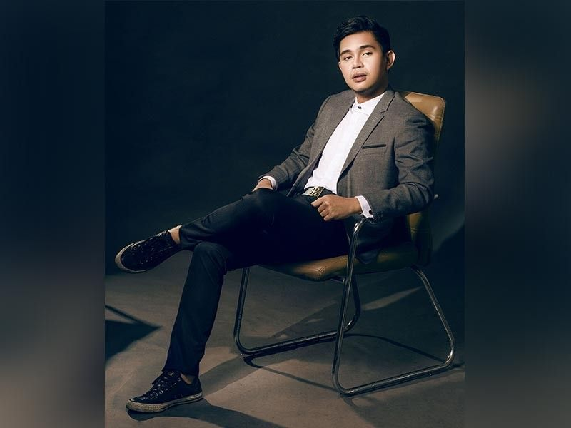 BAGUIO. Jojo Bragais, renown shoe designer, expanding his brand to showcase an ultra stylish clothing line and accessories line as well. (Photo by Arvin Cruz of SceneZone Magazine)