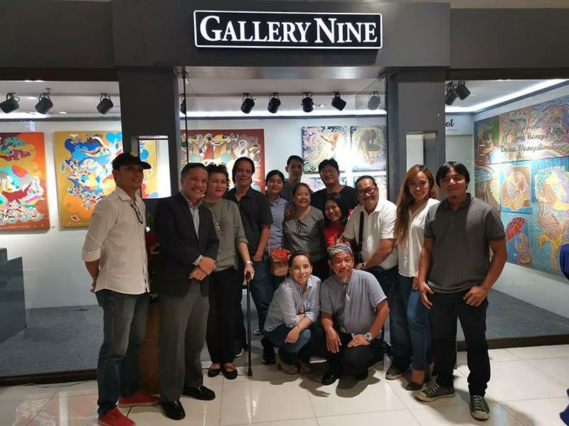 FRIENDS AND SUPPORTERS. Among the well-wishers in the exhibit opening are Danny Rayos del Sol of the National Council for Art Galleries of the National Commission on Culture and the Arts and his wife Tess, art patron and promoter Riza Matibag Muyot, and wood artist Agi Pagkatipunan. (Contributed photo)
