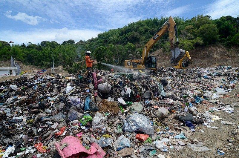 CEBU. Binaliw landfill in Barangay Binaliw, Cebu City. (Alan Tangcawan)