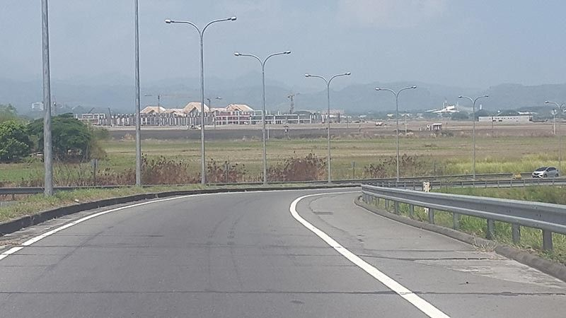 PAMPANGA. In photo is the Mabiga interchange of the Subic-Clark-Tarlac Expressway, which is near the Clark International Airport Terminal 2. (Contributed photo)