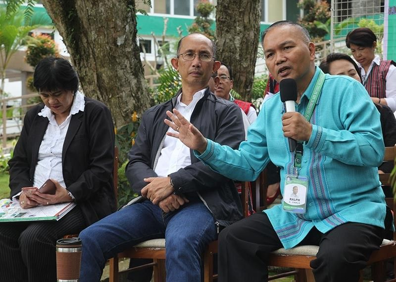 BAGUIO. Engr. Ralph Pablo, Department of Environment and Natural Resources Cordillera Administrative Region (DENR-CAR) regional executive director stress some points during a recent press conference in Baguio City as Mines and Geosciences Bureau regional director Fay Apil and mayor–elect Benjamin Magalong listens. (Photo by Jean Nicole Cortes)