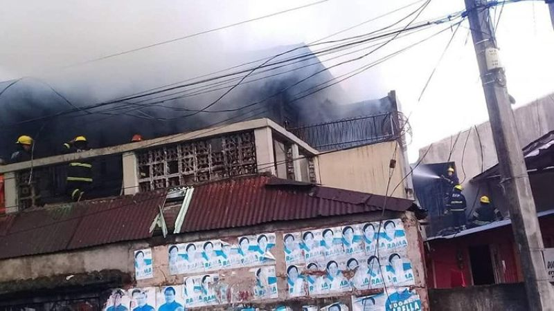 CEBU. A late afternoon fire hits two apartment units in C. Padilla Street, Barangay Duljo-Fatima in Cebu City on Friday, June 14. Fire investigators are still trying to determine what caused the fire. (Photo courtesy of Barangay Quiot-Pardo chief Francis Espares)