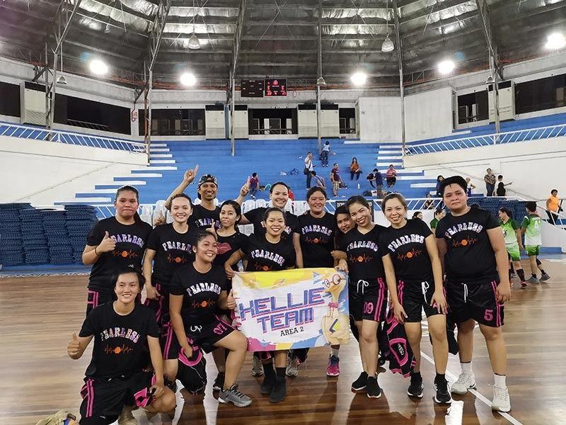 DAVAO. Miposing ang Team Xellie sa NCCC Centerpoint human gipakamangang ang Team Humby sa NCCC Panacan sa iskor nga 22 - 15 atol sa championship game sa Women's Basketball Division sa NCCC Paleaguesayahan 2019 sa Davao City Recreation Center, Huwebes sa gabii. MACKY LIM