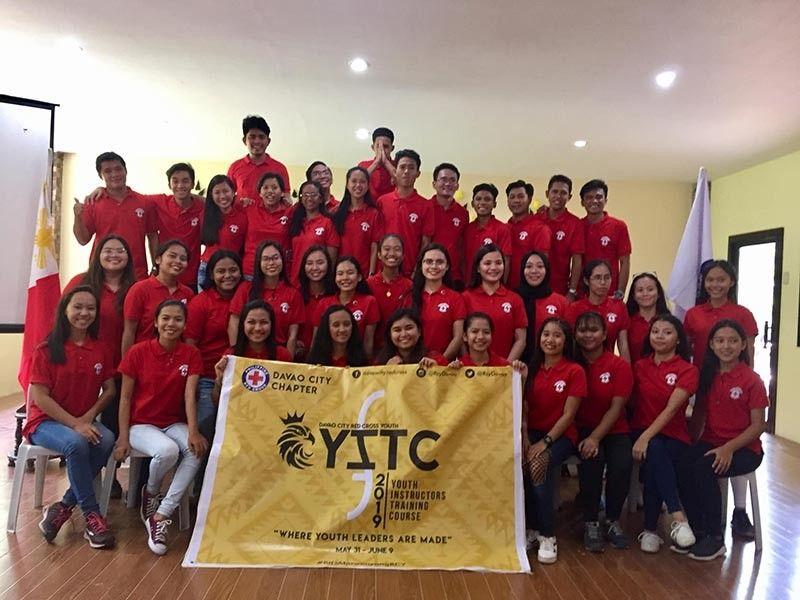 DAVAO. Madasigong nagpahulagway ang mga miyembro sa Davao City Red Cross Youth atol sa ilang Youth Instructors Training Course nga gipasiugdahan sa Philippine Red Cross Davao City Chapter nga dunay temang,