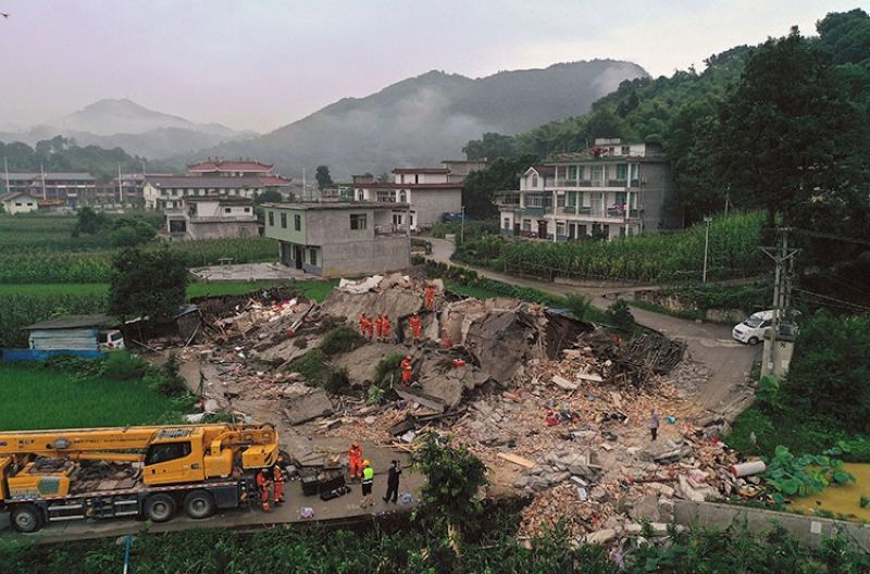 CHINA. In this photo released by Xinhua News Agency, rescue workers search for trapped people at a collapsed building after an earthquake in Shuanghe Town in Changning County of Yibin City, southwest China's Sichuan Province, Tuesday, June 18, 2019. (AP)