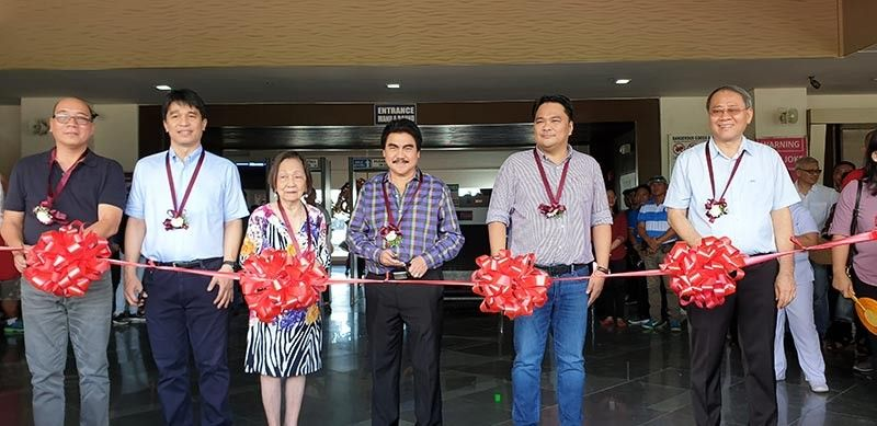 BACOLOD. Ribbon cutting: Bredco president John Alonte (2nd from left) led the inauguration of the new seaport facility on June 18. He was joined by Bacolod City Vice Mayor El Cid Familiaran, Nena De Leon, Bacolod City Mayor Evelio Leonardia, Bacolod Rep. Greg Gasataya and Bredco director Willy Au. (Contributed photo)