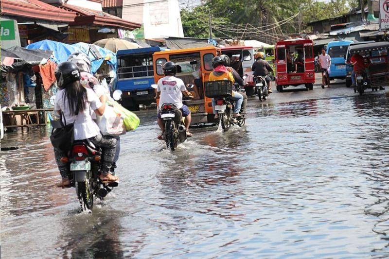 DAVAO. Flooding in Davao City. (Photo by Mark Perandos)