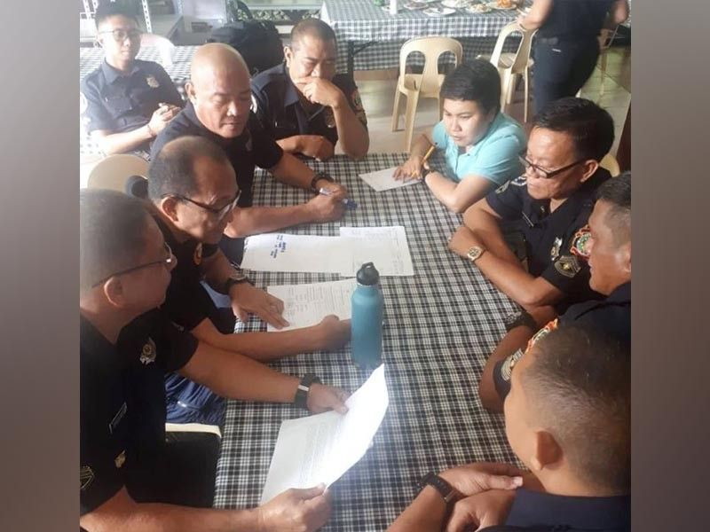 BACOLOD. Participants of the Bureau of Fire Protection-Negros Occidental initiated Basic Incident Command System (BICS) Training Course finalize their Incident Action Plan with Cadre Retired Police General Ranulfo Demiar (2nd from left) held at Buenos Aires Mountain Resort in Bago City. *(EAD-PIA6 photo)