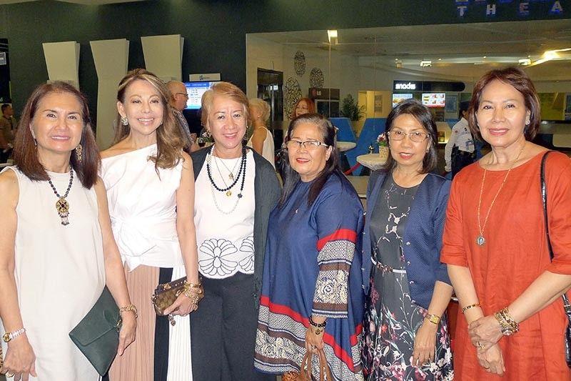 DAVAO. Neneng dela Paz, Bangladesh Consul Joji Ilagan-Bian, Julieta Torres, Fe Arobo, Marisa Diploma & Vivian Sison. (Jinggoy I. Salvador)