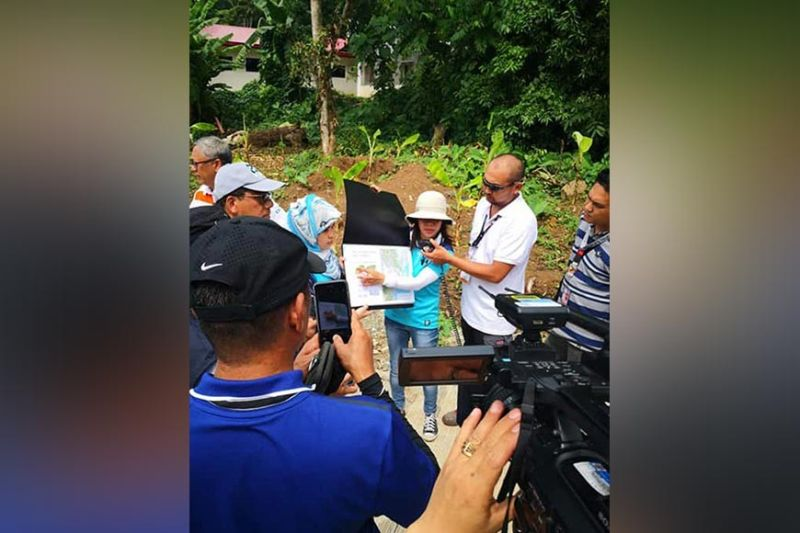 DAVAO. Office of Civil Defense 11 and Phivolcs conducted a Walk the Fault activity in Barangay Bago Oshiro and Mintal yesterday, June 24. (Juliet C. Revita)