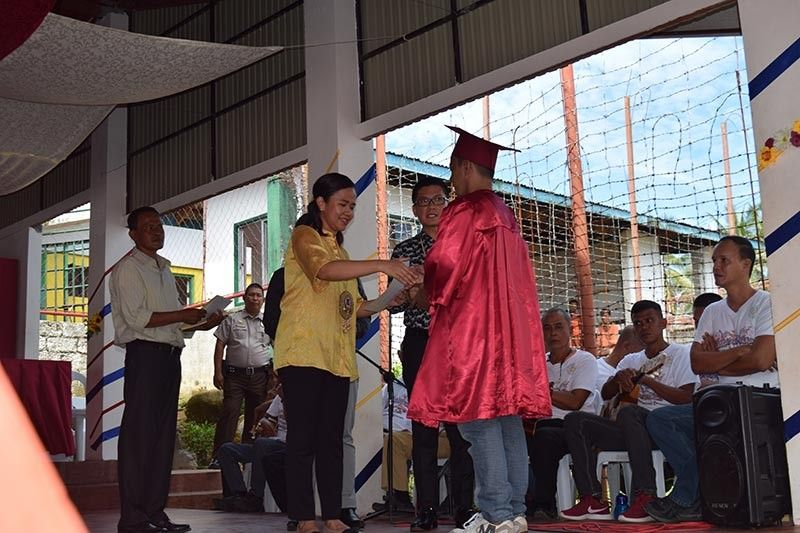 LEYTE. A total of 102 persons deprived of liberty receive their diploma after successfully finishing the Alternative Learning System (ALS) program of the Department of Education-Leyte Division inside the Leyte Regional Prison in Abuyog, Leyte, June 26. (Photo by Christian Aaron Bantay)