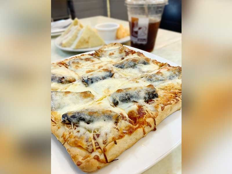 This is a classic - the Sardines Pizza. (Jinggoy I. Salvador)