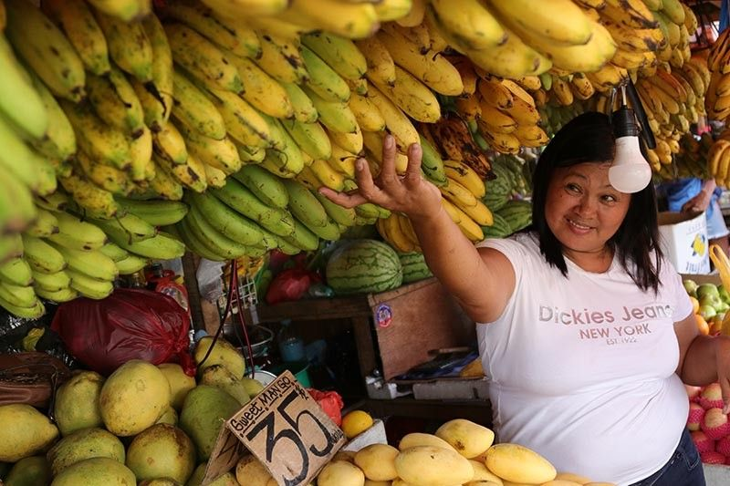 DAVAO. Around nine tons or 9,000 kilograms of mangoes and bananas from Davao region will be shipped to Bicol region this month. (Photo by Mark Perandos)