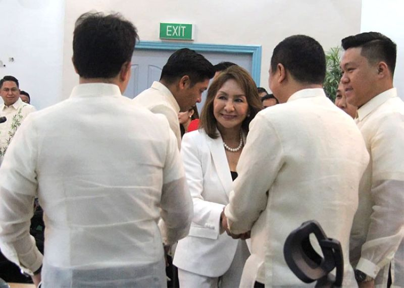 CEBU. Governor Gwen Garcia and some members of the Provincial Board during its inaugural session Monday, July 1, 2019. (Amper Campana)