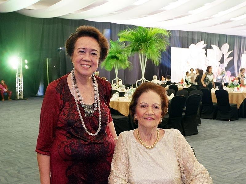 DAVAO. Perla Palma Gil & May Lopez. (Jinggoy I. Salvador)