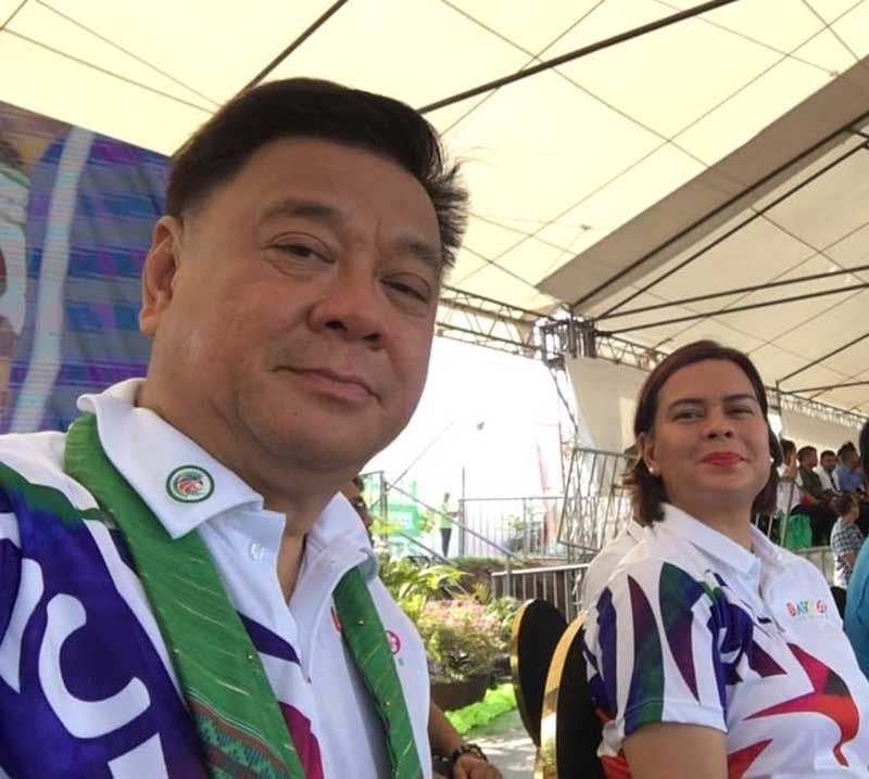 DAVAO. Representative Isidro Ungab takes a selfie with Davao City Mayor Sara Duterte-Carpio, leader of Hugpong ng Pagbabago (HNP). (From Isidro Ungab Facebook)
