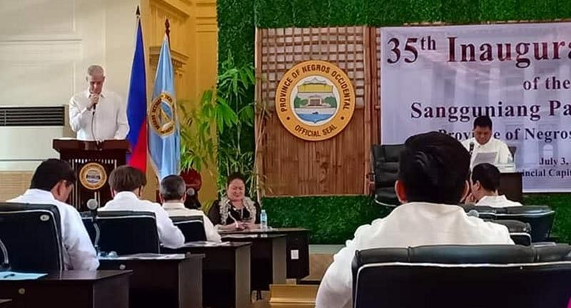 BACOLOD. Governor Eugenio Jose Lacson gives his address during the 35th inaugural session of the Provincial Board Wednesday, July 3, 2019. (Teresa Ellera)