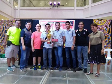 HOME SQUAD, Goldcrest Marketing Corporation of Johnnel Balquin, Christian Arroyo and Bobby Salomon receives the runner-up prize of P70,000 in the just-concluded 2nd Robert Tan Memorial Cup at Limketkai Mall, Cagayan de Oro. (Contributed photo)
