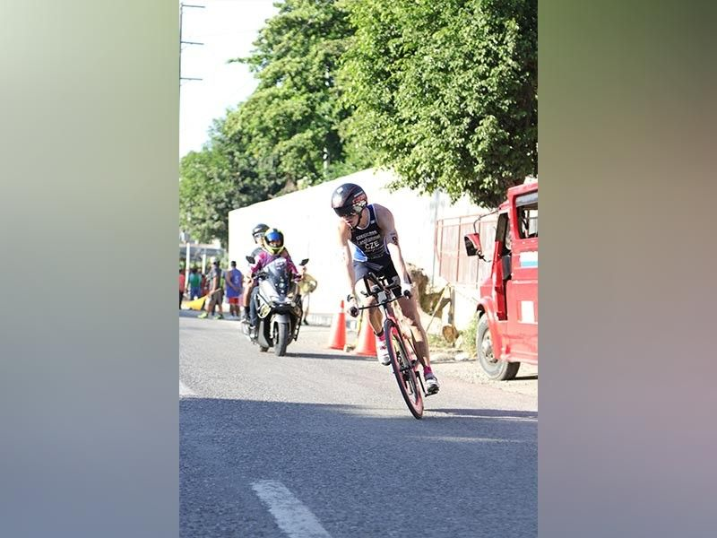 BIKE ADVANTAGE. Jakub Langhammer of Czech Republic capitalized on his superb biking skills to secure the men's pro division title of the first Penong's 5150 duathlon held in an out-and-back course from Waterfront Insular Hotel Davao yesterday. (Mark Perandos)