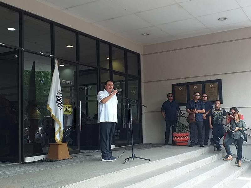 ILOILO. Iloilo City Mayor Jerry Treñas delivers a speech after the Iloilo City Hall flag ceremony on Monday, July 8, 2019 in front of Plaza Libertad. (Carolyn Jane Abello)
