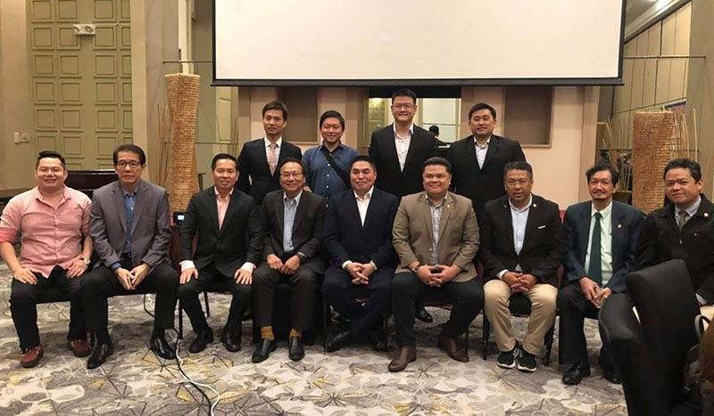 PAMPANGA. Officers of the San Fernando Filipino-Chinese Chamber of Commerce  and Industry Inc., namely, President James Wang, EVP Tony Choi, VP George Ong, Directors Mark Chua, Kevin Sy and Mark Wang pose with DTI Sec. Abdulgani Macatoman; Datu Nasraili Conding, president of the Bangsamoro Federal Business Council Inc.; Executive Director Dr. Abdul Hannan Tago; VP for Corporate Affairs Datu Macapanton Jihad Abbas III and VP for Media Communication Datu Jamal Ashley Yahya Abbas, during the 2nd National Halal Congress held at Quest Hotel, Clark Freeport Zone. (Chris Navarro)