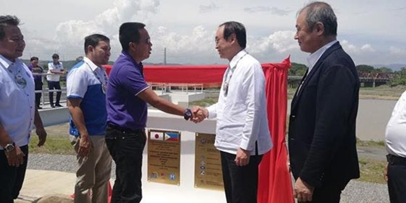 CAGAYAN DE ORO. Officials from JICA, Japanese Ambassador Koji Haneda, DPWH Secretary Mark Villar, and Governor Bambi Emano led the inauguration of the P778 million flood control project in Tagoloan, Misamis Oriental, Tuesday, July 9. (Photos by PJ Orias)