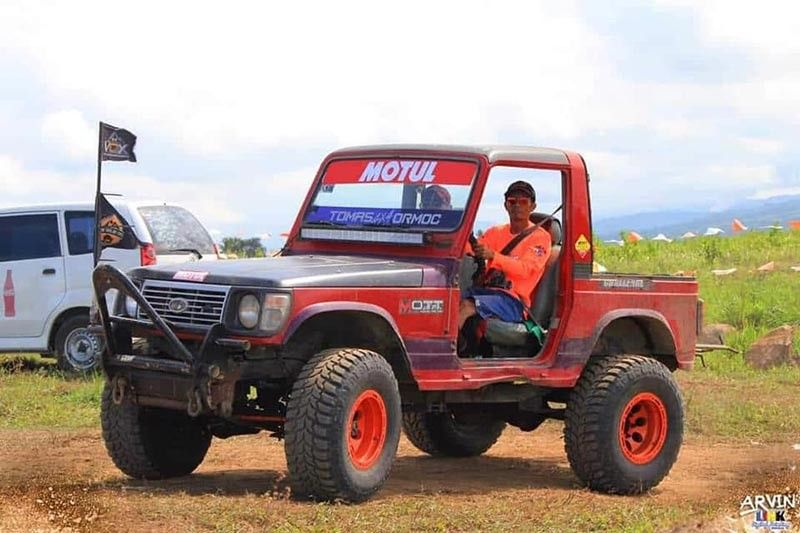 SAN CARLOS. Fredie Segovia, 36, a topnotch Motul Offroad rider from Ormoc City, rides on his vehicle during the San Carlos City's leg of Maxxis 4x4 Cup Philippines 2019 in partnership with the National Association of Filipino Off-Roaders. Segovia will compete anew in Dipolog City's leg on July 27-28, 2019. (Contributed photo)