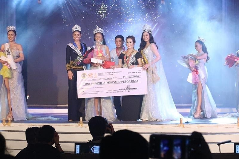 DAVAO. This year's Binibining Davao Oriental 2019 is Nichole Pesado Marquez from Mati City (second from left). Also present in the coronation was Miss Universe Philippines 2019 Gazini Ganados (left) as one of the judges. (Ara Casas-Tumuran)