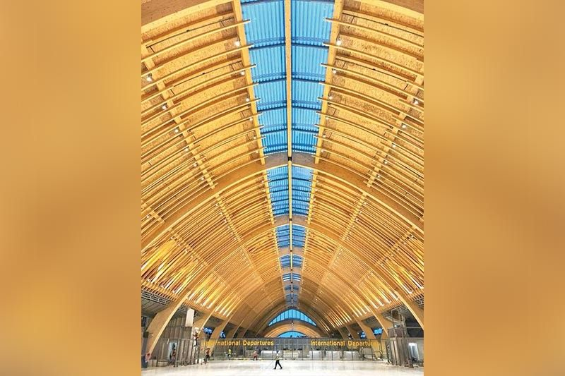 """ANOTHER FEAT: Cebu's """"World's Friendliest Airport,"""" Mactan- Cebu International Airport takes center stage during the International Architecture Award (IAA). It took home  the 2019 IAA for Airports and Transpor-tation. (SunStar File)"""