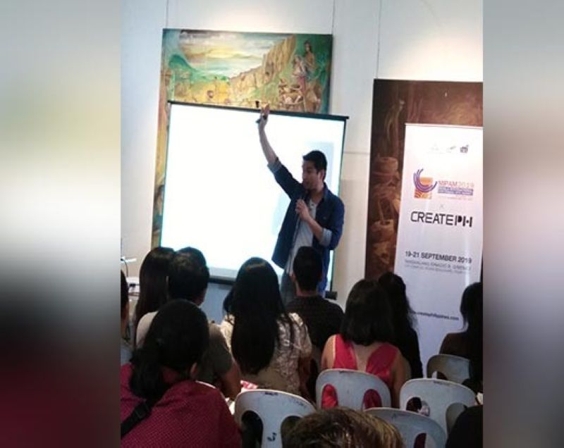 "BACOLOD. Television host, actor, restaurateur and motivational speaker John Paul ""PJ"" Lanot speaks at the Business of Performing Arts Capacity-Building Seminar at the Negros Museum in Bacolod City on Tuesday, July 9, 2019. (Contributed photo)"