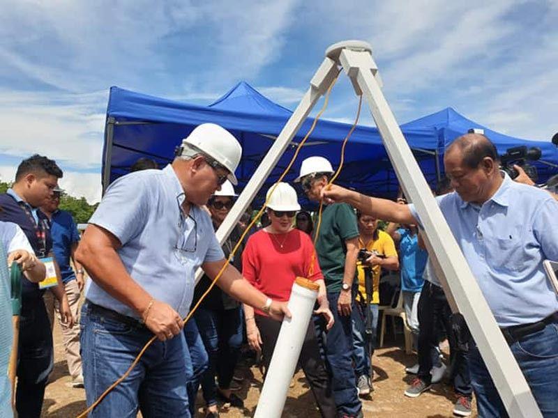 Gipangulohan ni Mayor Oscar Moreno ang groundbreaking ceremony sa P70 milyones nga Phase 1 sa Eco park sa kanhi basurahan sa Upper Dagong, Barangay Carmen, Siyudad sa Cagayan De Oro nga posibleng matapos sa kataposang bahin sa tuig 2021. (Kris C. Sialana)