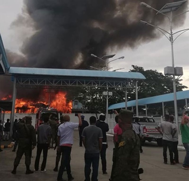 CAGAYAN DE ORO. The inauguration of the new passenger port terminal in Cagayan de Oro City past 3 p.m. Monday, July 15, 2019, was interrupted as fire erupts in nearby residential lot of Piaping Puti, Barangay Macabalan. (PJ Orias)