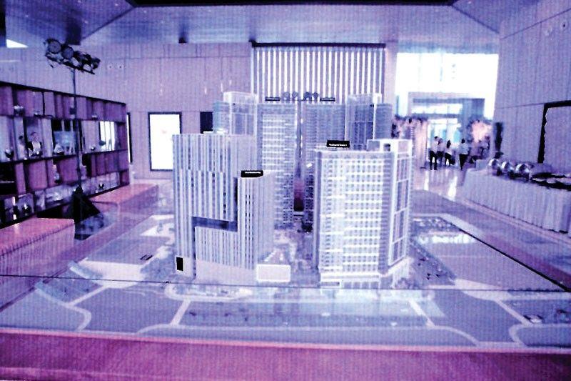 Scale model of Mandani Bay Quay and One Mandani Bay.