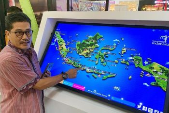 DAVAO. Beyond Bali. Regional Director for Marketing of the Indonesian Ministry of Tourism points to must-see spots in Indonesia. (Jinggoy I. Salvador)