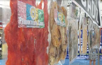 BACOLOD. Some of the dried fish products of food processors from Cadiz City during the recently-concluded 11th Negros Business Week held at Robinsons Place Bacolod on Wednesday. (Photo by Erwin P. Nicavera)