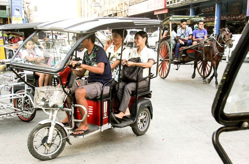 A STRIKE AGAINST E-TRIKE. As Cebu gears for a modern mass transport system, eletric tricycles that indiscriminately py the streets are deemed illegal because these are not authorized to pick up passengers and run on major roads. Law enforcers will apprehend e-trike anytime soon. (Amper Campana)