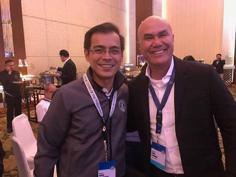 PAMPANGA. Manila Mayor Isko Moreno Domagoso (L) and Mabalacat City Mayor Crisostomo Garbo (R) beam to the camera during Friday's 1st General Assembly and Election of Officers of the League of Cities of the Philippines held at Shargri-la Plaza Function Hall, Metro Manila. (Contributed Photo)