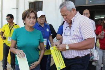 Si Cagayan de Oro Mayor Oscar Moreno kauban ang City Health Office nanguna sa kampanya batok dengue. (Tampo nga hulagway)