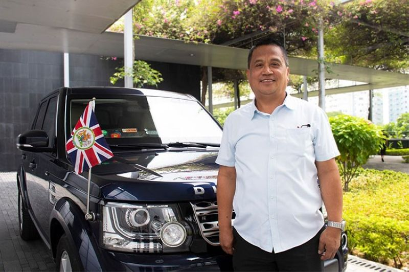 Filipino driver Roland Quitevis (Photo from British Embassy Manila's Facebook page)